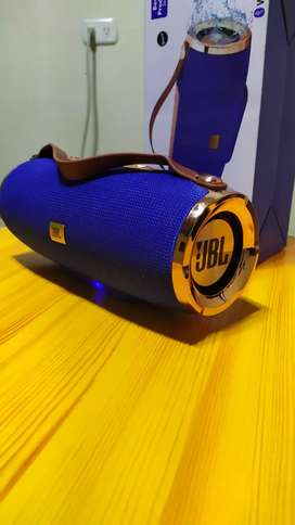 Bocina R8 plus JBL wireless