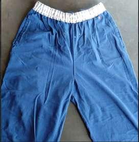 Pantalón DEPORTIVO HOMBRE marca Gef 3/4 color azul talla XL. cordon que permite Ajustar segun necesidad BUEN ESTADO