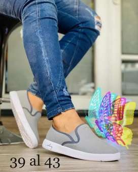 Elegantes zapatillas de hombre