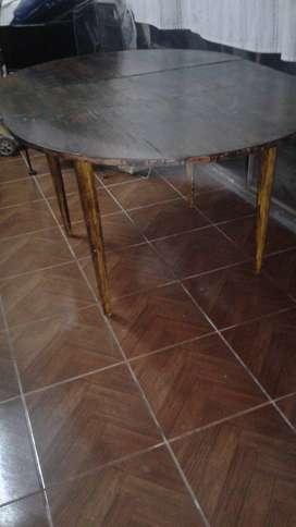 mesa comedor  o cocina de madera/ ovalada