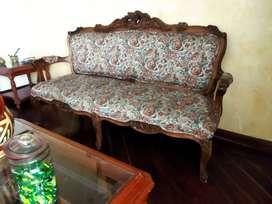 sofa en madera tallada 6 patas