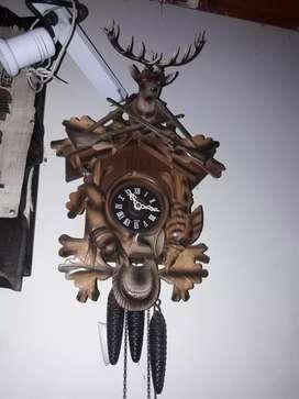 Vendo reloj cucu de 3pesas