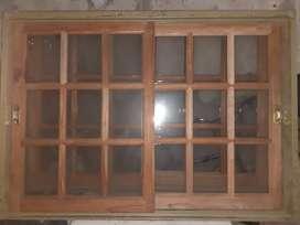 vetana corrediza de vidrios repartidos