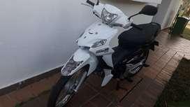 vendo moto con papeles al día