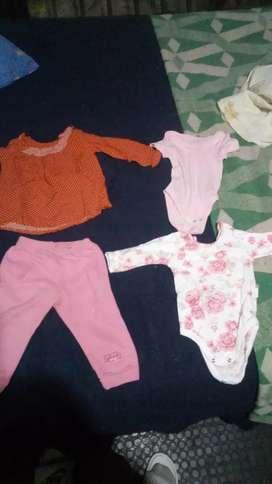Vendo ropa de bebé nueva y usada