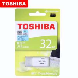 Memoria Usb Toshiba Original Japonés 2.0 32Gb, Plástico Abs