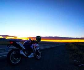 Se vende moto honda CBR 250R en buen estado