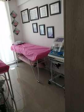Se necesita cosmetologa o masajistas