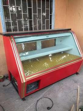 Nevera vitrina cuatro bandejas con congelador