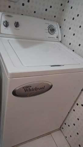 Potente lavadora Whirlpool 28 libras funcionando muy bien