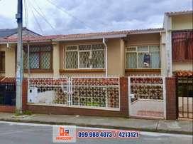 Se vende acogedora casa con área verde, sector control sur Cuenca, C430