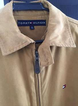 chaqueta tommy hilfiger ,gamusa original  talla m
