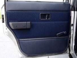 Apoya brazo y paneles Volvo Linea 200