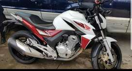 Vendo honda twister 250cc