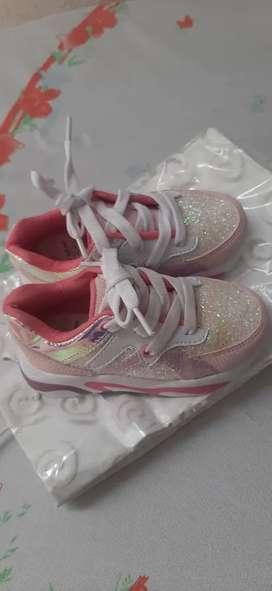 Vendo zapatos de bebe baratos 20.000