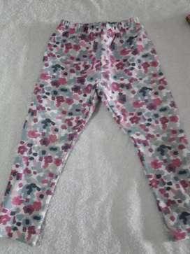 Calza frizada usada para nena de dos años