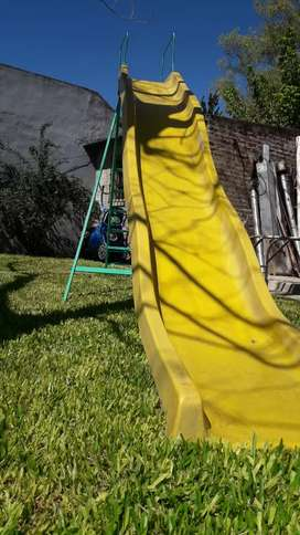 Tobogán 8 escalones  2,4 metros alto y 4.8 largo