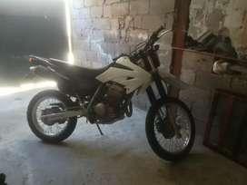 Vendo moto Honda Tornado y Pasola china