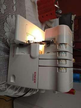 Vendo Maquina de coser Fileteadora Singer De 4 Hilos Ultralock Nueva