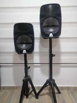 Parlantes, usb, blutu, radio, micrófono