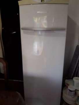 Freezer breastem vertical 280 litros exelente estado alarma puerta abierta escucho oferta