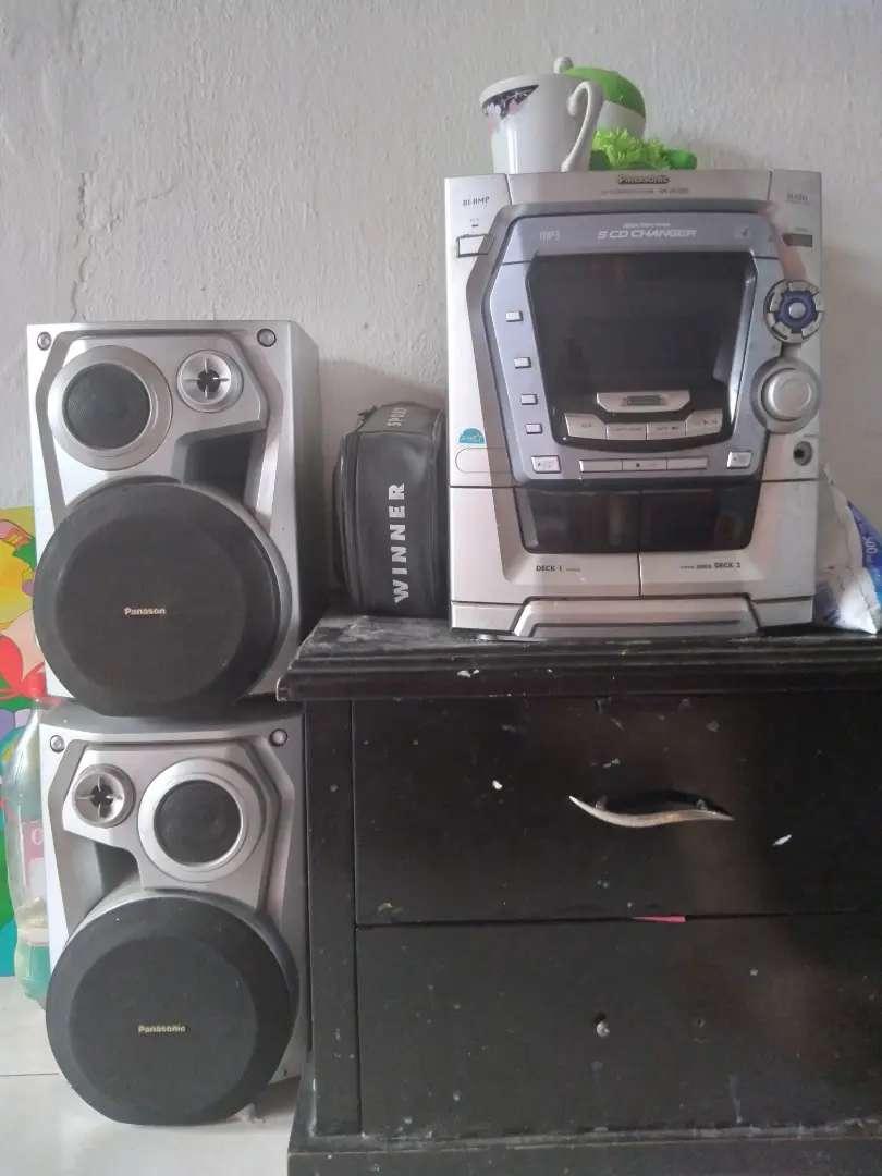 Equipo de sonido solo para emisora  suena bien
