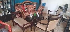 Hermoso muebles usado no le duele nada