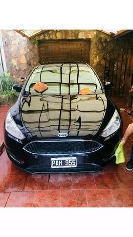 Tratamiento acrílico y lavado premium automotor