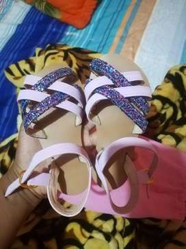 Sandalias para una nena