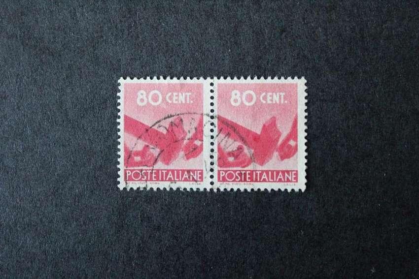 BLOCK 2 ESTAMPILLAS ITALIA, 1945, SERIE DEMOCRACIA, martillo rompe cadena, usadas 0