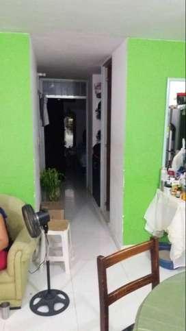 Se vende o permuta apartamento totalmente terminado, con cocina integral, closet, baño enchapado, y aire acondicionado