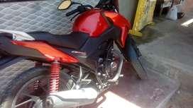 Moto Honda 125 Twister.