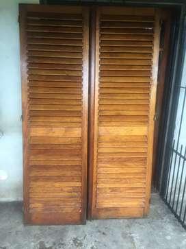 Postigos de cedro de 120cm x 200cm usado en muy buen estado