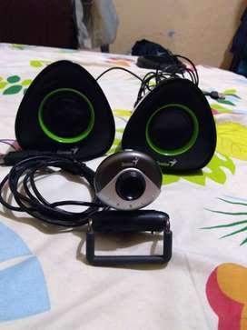 Vendo cámara web y parlantes para pc