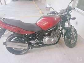 FLAMANTE SUZUKI GS500
