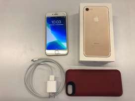 Iphone 7 32 gb + carcasa batería Mophie y cargador original