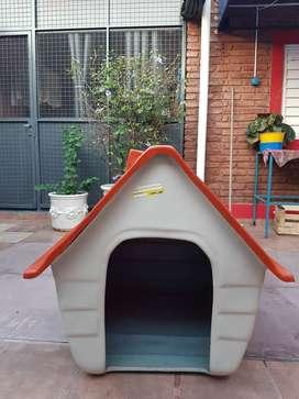 Casa para perros en impecables condiciones