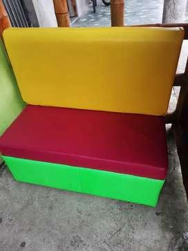 7 hermosos muebles para negocio cada uno $50 los 7 los dejo en 300