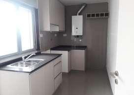 Departamento dos dormitorios. reciclado, con lavadero separado y vista zona centro