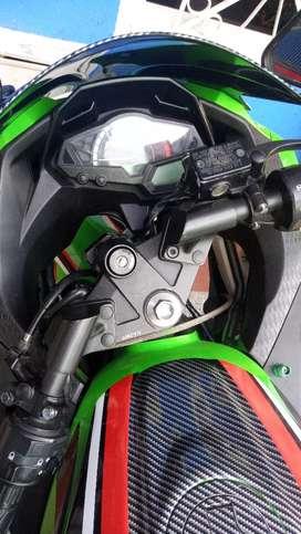 Vendo o permuto ninja 250 Kawasaki 2018