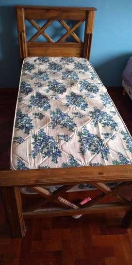 Cama 1 plaza en Pino macizo con colchón