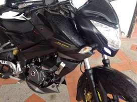 Vendo moto Pulsar Ns200 Injection