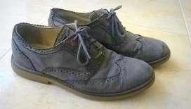 Zapatos Tommy Hilfiger, Original, Usados Pero en Muy Buen Estado 9 de 10, Talla 9 USA.