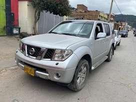 Nissan Pathfinder LE 2007 papeles al dia lista para traspaso