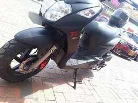Moto nueva akt Dynamic r