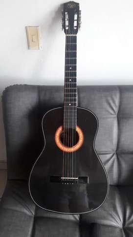 Guitarra mandrileña