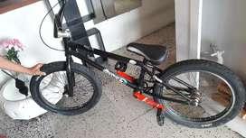 vendo bicicleta marca piraña