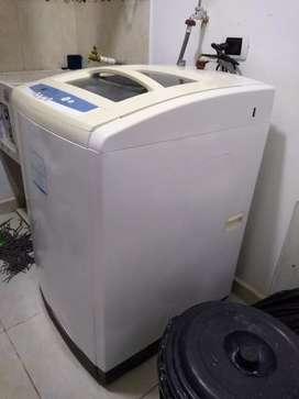 Lavadora 28 libras Samsung buen estado