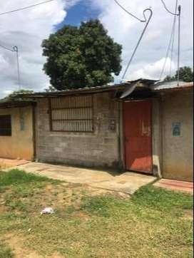 Vendo/se vende/a la venta casa como terreno en la banda de shilcayo a S/.83.000 con Título