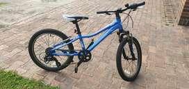 Vendo bicicleta de segunda  como nueva para niña